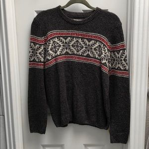 Long sleeved thick sweater